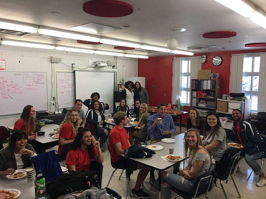 Leadership+students+at+Lake+Brantley+gather+for+lunch+in+Rm+7-113.+Pizza+was+ordered+for+them+as+a+way+to+encourage+the+exchange+of+ideas+to+occur.