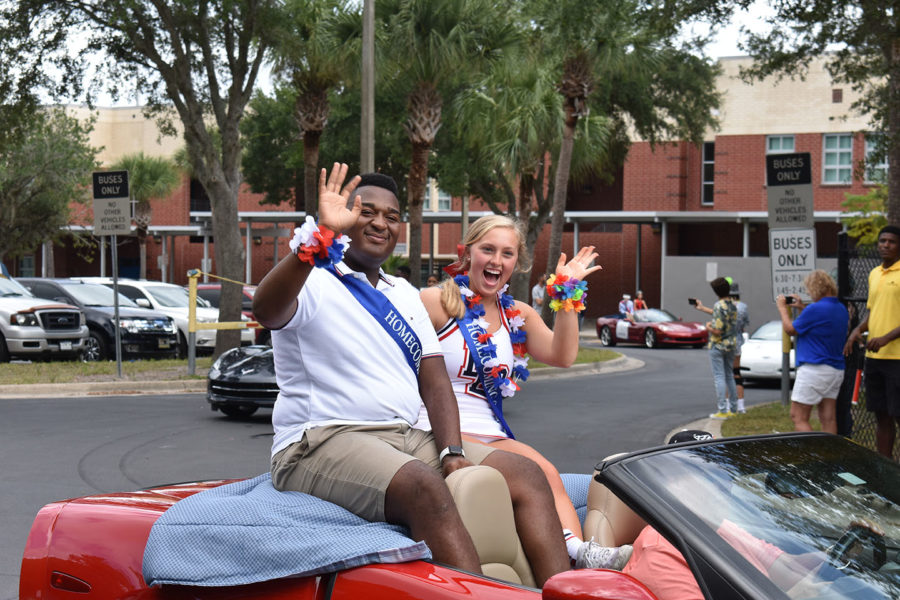 Senior+Homecoming+Court+Trey+Langston+and+Emily+Vincent+ride+in+a+corvette+on+Thursday%2C+October+10+in+the+homecoming+parade.+There+were+a+total+of+11+corvettes+in+this+year%27s+parade.