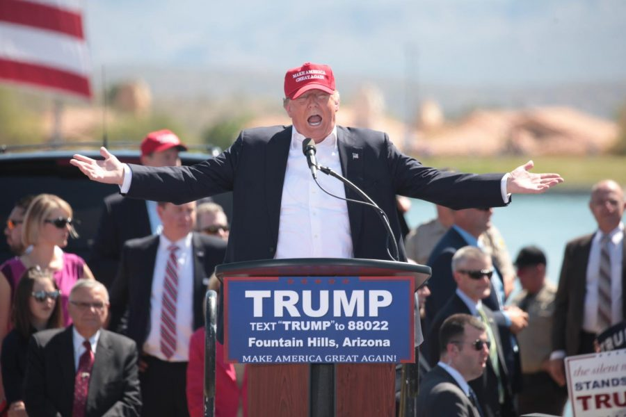 Donald+Trump+speaking+with+supporters+at+a+campaign+rally+at+Fountain+Park+in+Fountain+Hills%2C+Arizona