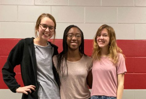 Seniors Anna Wesley and Madison Harris share what they have learned throughout their last year in high school with Junior Shelby Brunson.