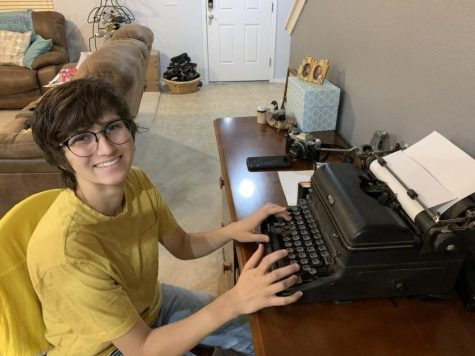 "On April 3, Senior Joelle Wittig tries out her typewriter as she works to fix it up. ""It was so exciting to see it start to type,"" Wittig said. ""The ribbon I got wasn"
