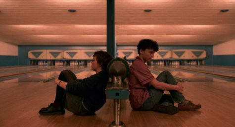 The series I Am Not Okay With This features actress Sophia Lillis who plays the main character Sydney Novak and actor Wyatt Oleff who plays Stanley Barber, both popular actors who had breakout roles in horror film IT (2017).